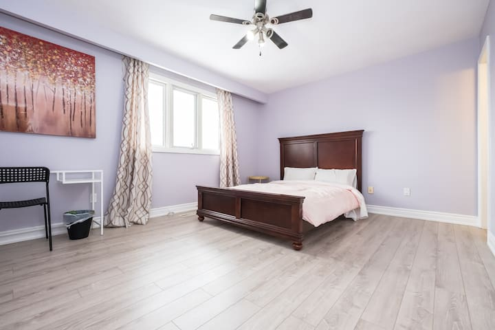 Comfort private room, own bathroom - Mississauga - Bed & Breakfast