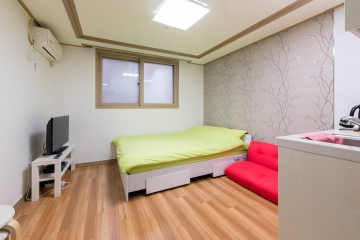 Fully ensuite[3mins subway/airport bus]