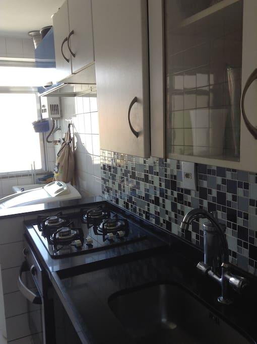 Cozinha Planejada, cooktop, máquina de lavar.