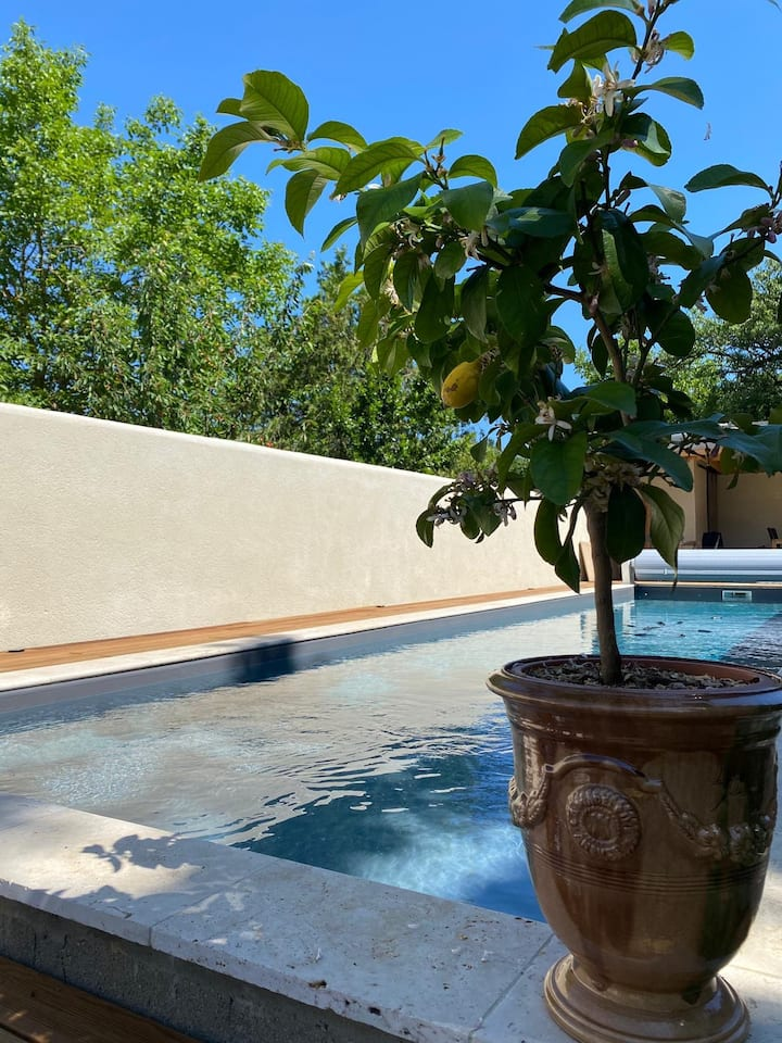 Elegant Village House with Pool in Saint Puy
