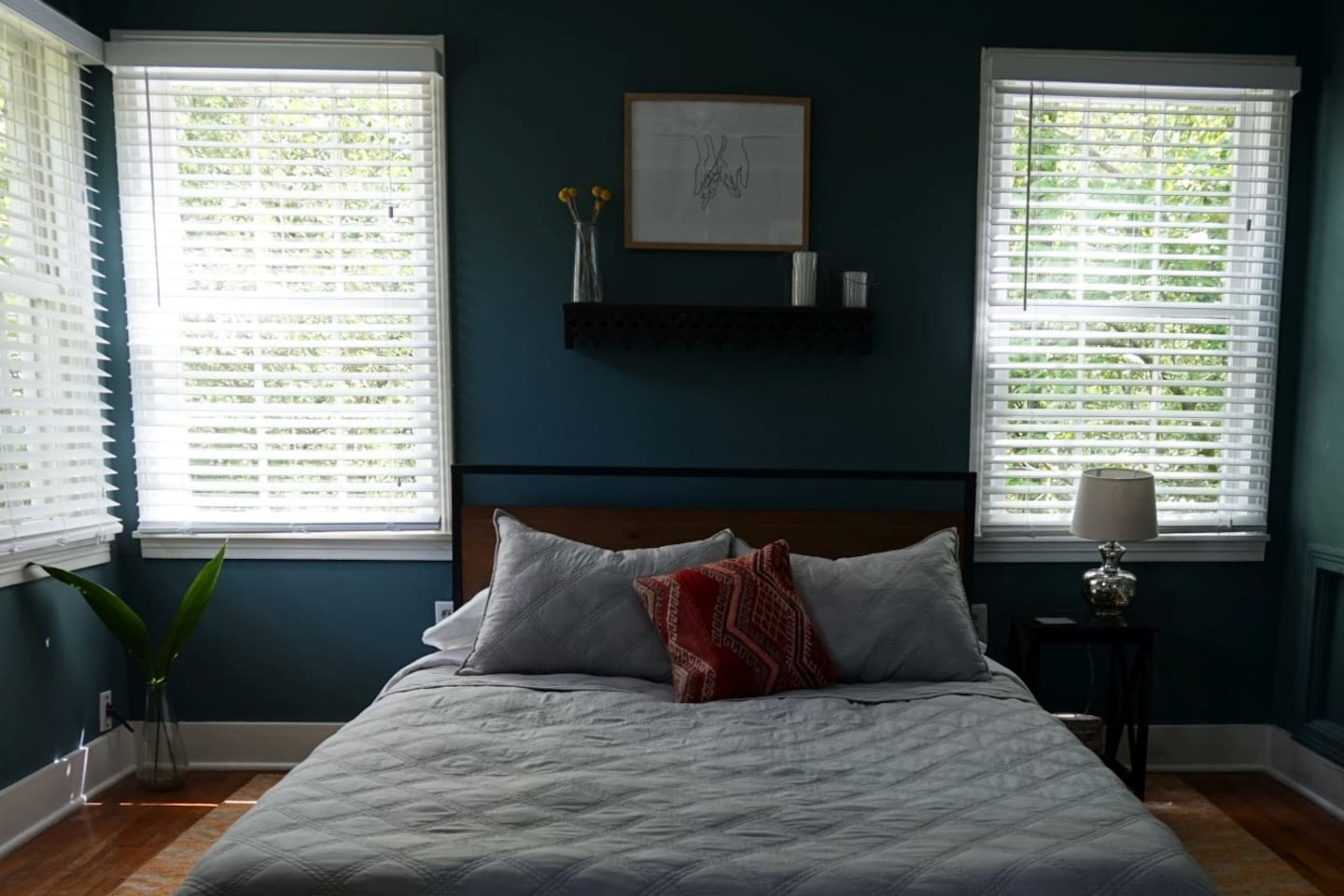 The bedroom gets fabulous morning light and features a super comfy queen bed with memory foam mattress.