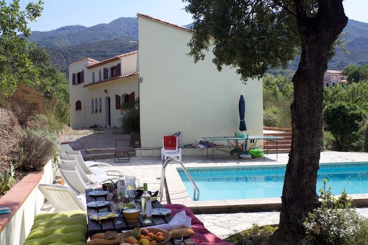 Villa spacieuse avec piscine et vue imprenable! - Montesquieu-des-Albères - Talo