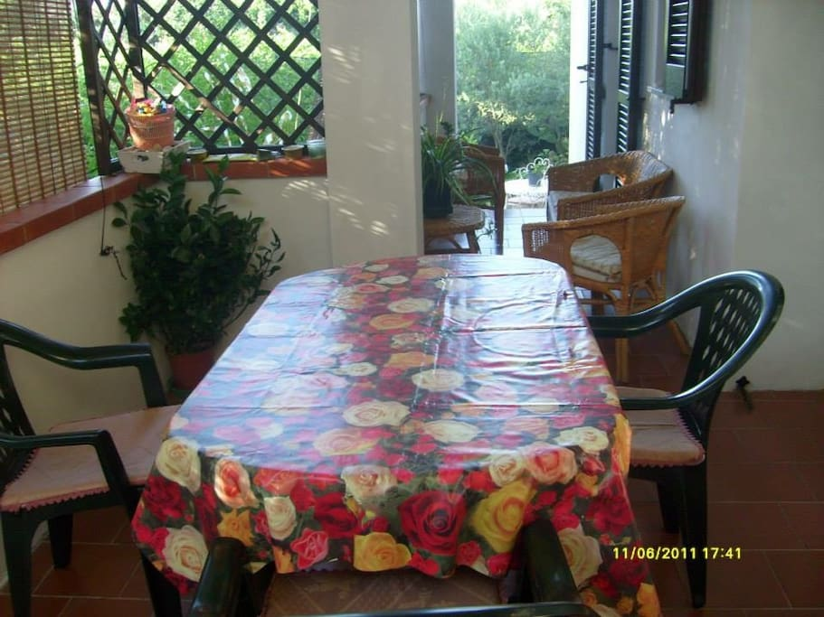 veranda esterna perm colazioni in stagione estiva