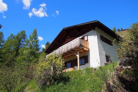 Ferienappartment mit Panoramasicht in Bergün