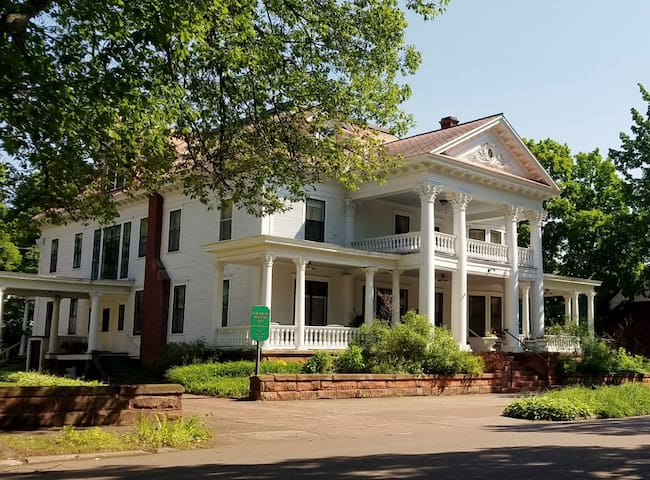 Historic Laurium Manor Inn Bed & Breakfast Room #7