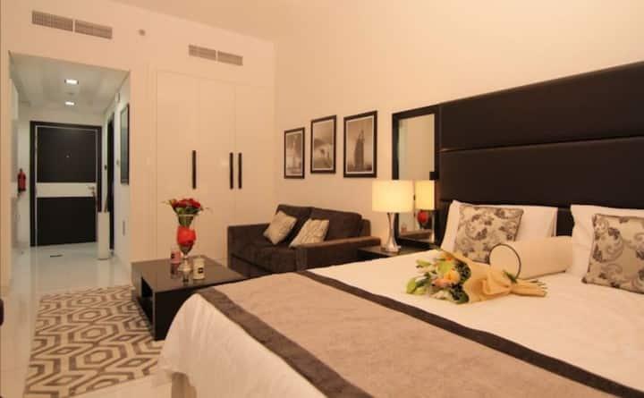 Luxury Furnished Studio Apartment @Roma