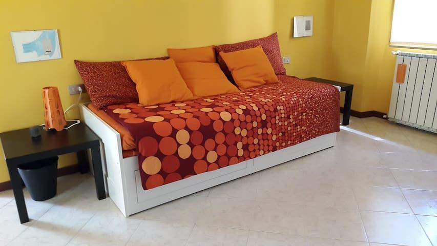 54 CAT Kalimera Room, Malpensa Lago - Gallarate - Apartment