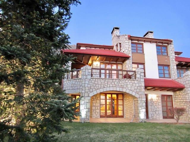 Arachova Σπίτι με θέα