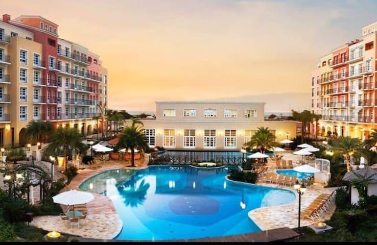 Suíte com 65 m2 no Il Campanario Resort