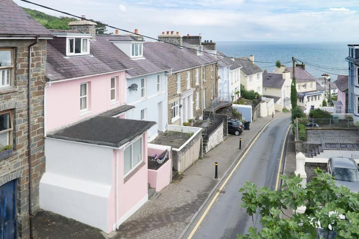 Seaside house in New Quay (sleeps 6) near beach - New Quay - Casa