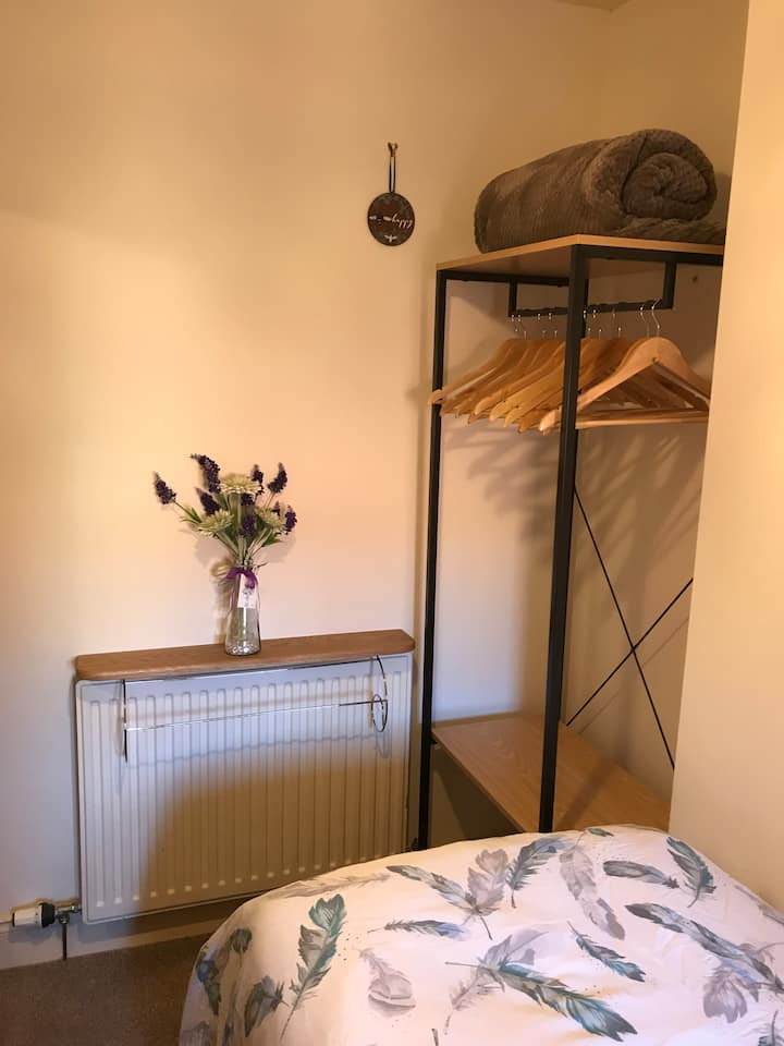 Cosy single room close to the Brewery Quarter