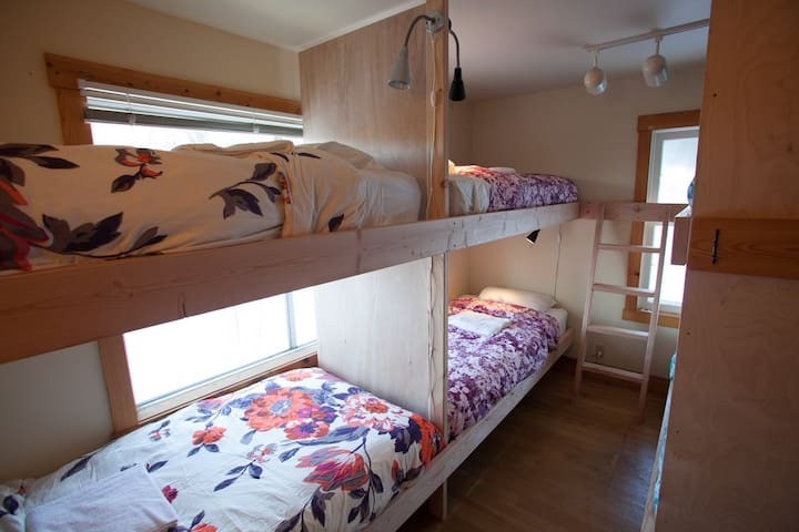 Affordable Bunk Room Accommodation with Style!