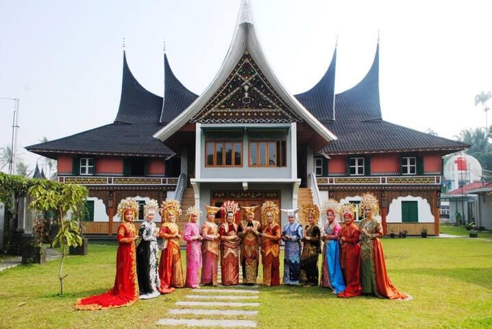 Rumah Gadang Villa Rent-Bukittinggi-Sumatera barat