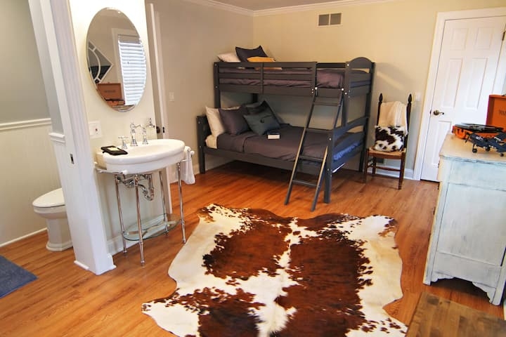 Private Room & Bathroom in Madison CT (Room 12)