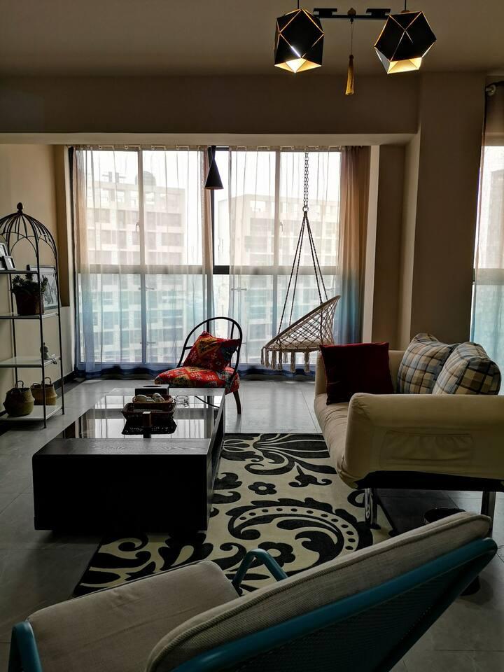 目目昔·小确幸/靠高铁北站·复式两居室·大投影·超大客厅·可做饭洗衣