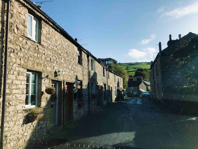 The Fold, traditional Dales cottage with open fire