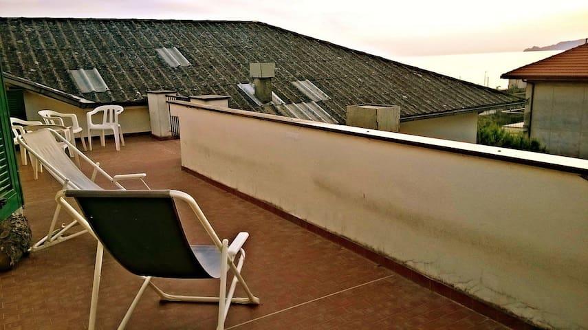 Tramonto in terrazza - Lavagna - Apartamento