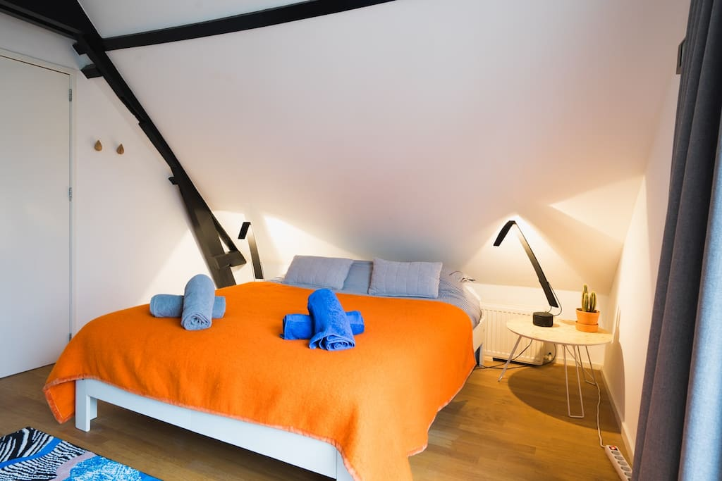 Design Keukens Zuid Holland : Design Apartment ATTIC010 Appartementen te Huur in