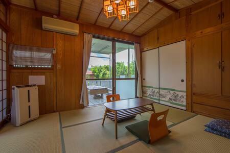Private Tatami room with mini Terrace max4 BBQok! - Nakijin  - Hus
