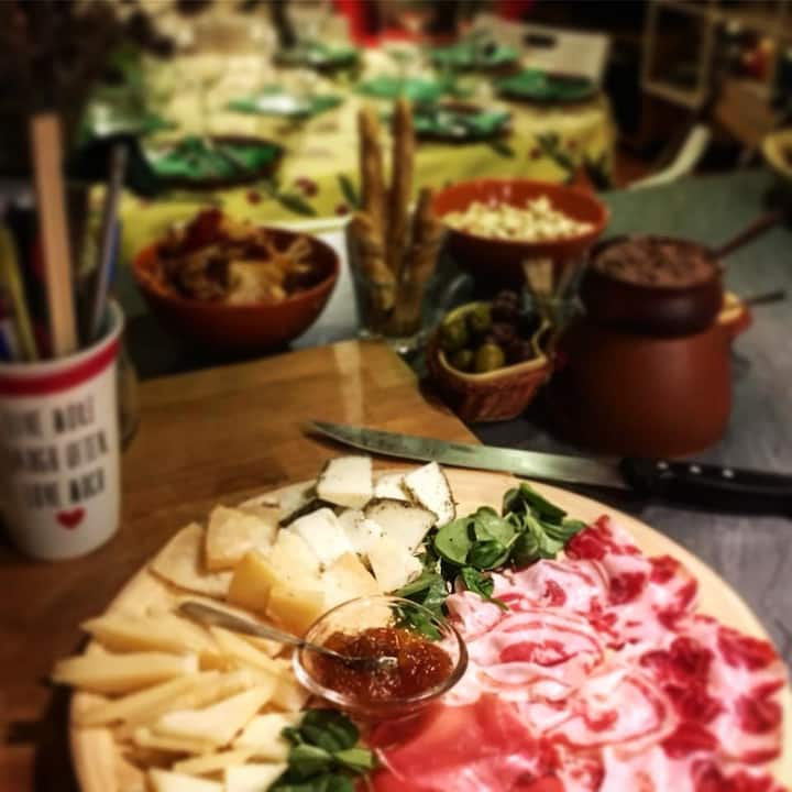 a typical Tuscan antipasto