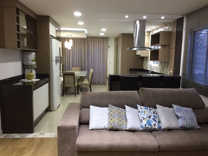 Apartamento lindo e aconchegante 350 mts da praia.