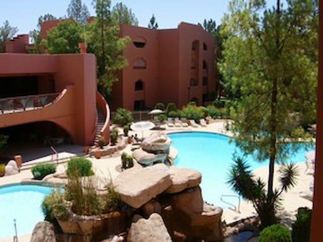 Enjoy a condo in Paradise!!  Paradise Valley!