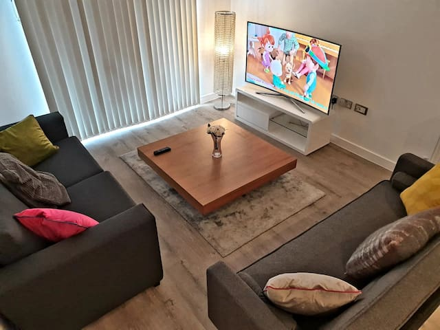 Manchester Central Stylish Apartment 2 Bath 2 Bed