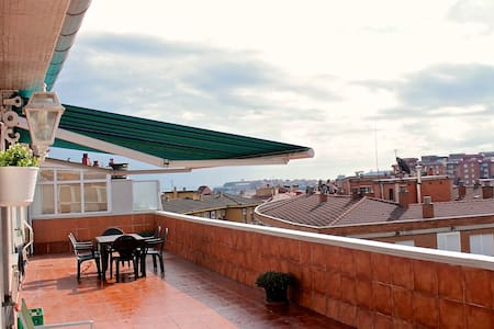 Bright penthouse with large terrace. - Gijón