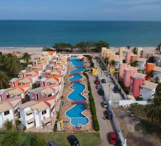 Casa Condomínio com Vista para o Mar Maracajau 1