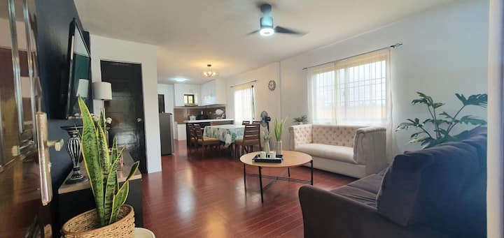 NEW 3BR House (B) with Arcade Machine.UP TO 13pax