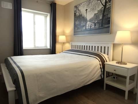Chic Modern 1 Bedroom Retreat (suit med term let)