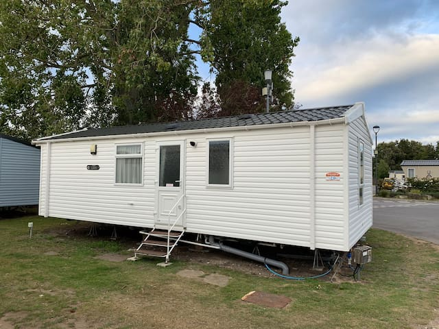 Prestige 2 Bed (6 Berth) Caravan @ Rockley Park