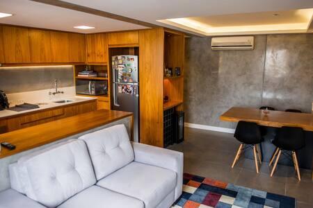 Apartamento mobiliado com ótimo acabamento