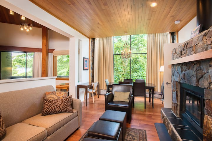 Charming 2BDR Condo | In the Center of the Village