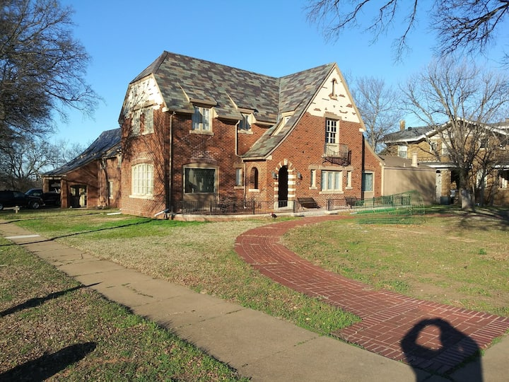 GRAND HOUSE ON MORNINGSIDE HISTORIC DISTRICT
