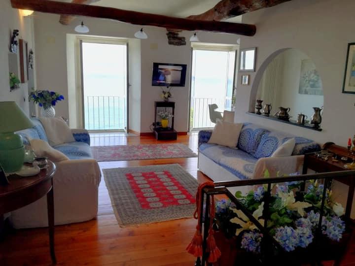 Zoagli vista mare; Charming house with sea view