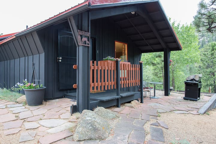 Bunkhouse @ Old Man Mountain studio - walk to town