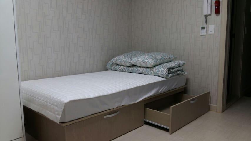 해수욕장 인근에 아늑한 풀옵션 미니펜션형 온돌방(싱글침대)