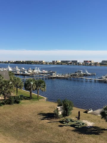 Awesome Waterfront Studio Condo 402 - Fort Walton Beach