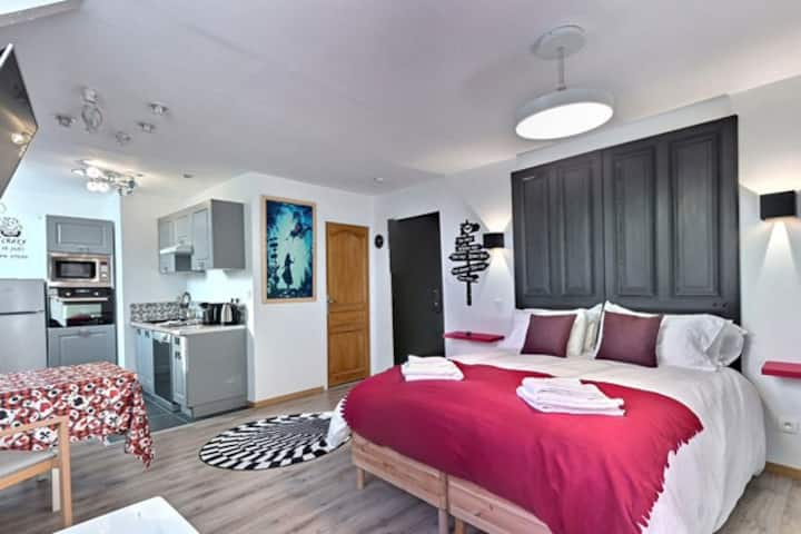 Suite ALICE AUX PAYS DES MERVEILLES + Spa + Sauna