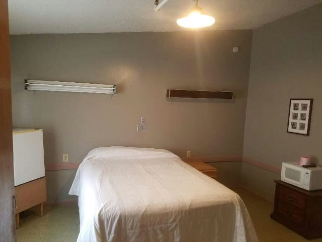 Rooms to Rent Hempstead Texas Suite