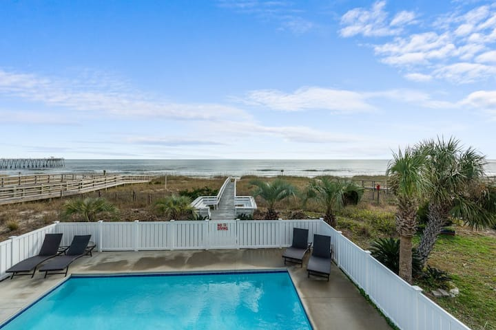 5 bedroom, Oceanfront Home with Private pool. walk to Pier and Shops!