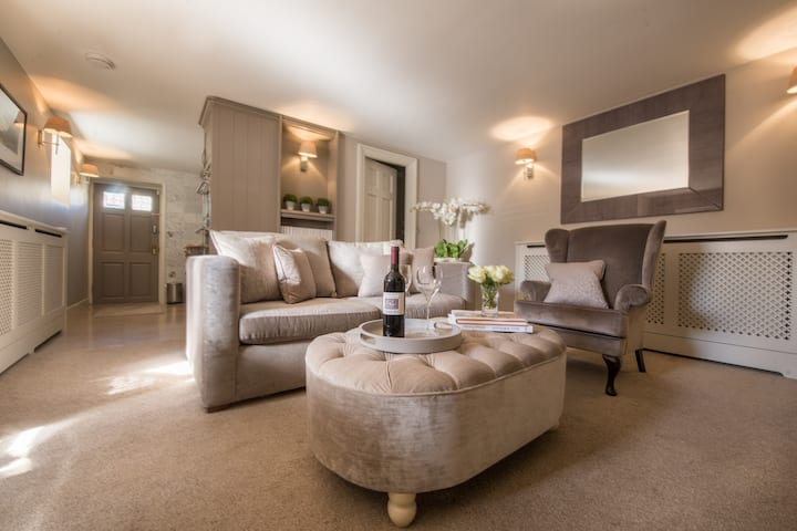 Stunning Central Harrogate Apartment secluded spot