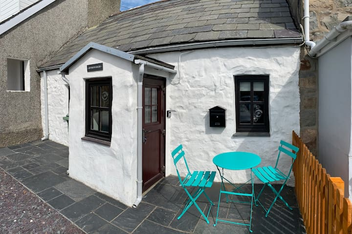 Quirky crog loft cottage, 5 min from idyllic beach