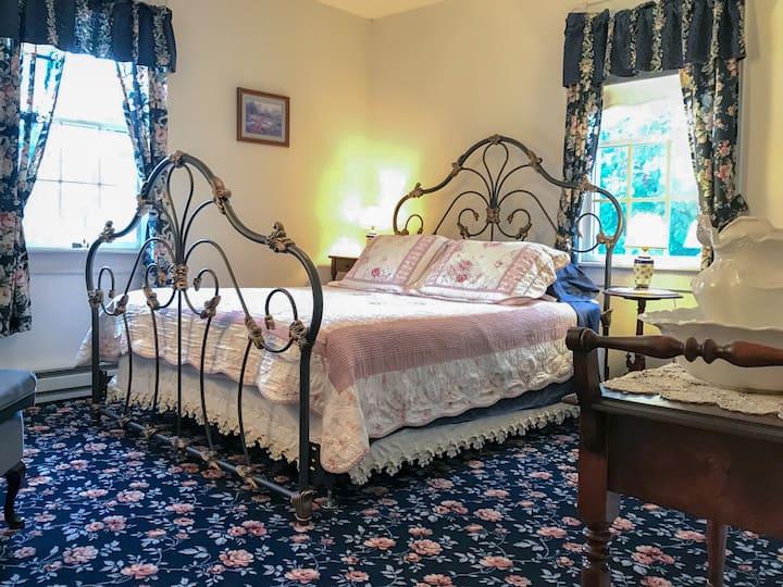 Andor Wenneson Historic Inn - N°3 - Grandma's Room