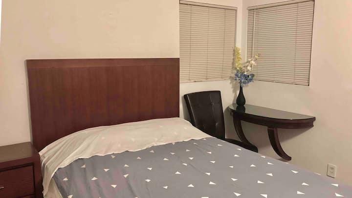 Cozy room near strip #1