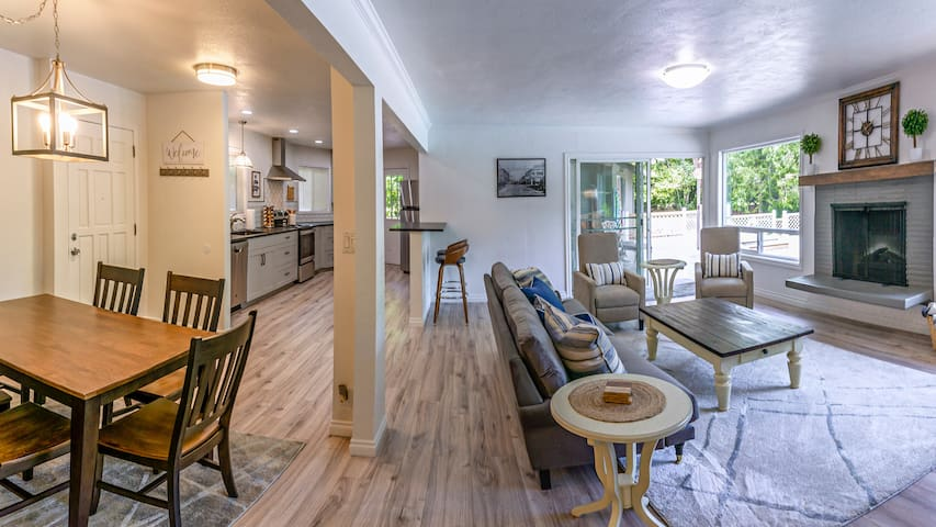 Capital House ~Pool~ Quiet Stay Minutes from Downtown