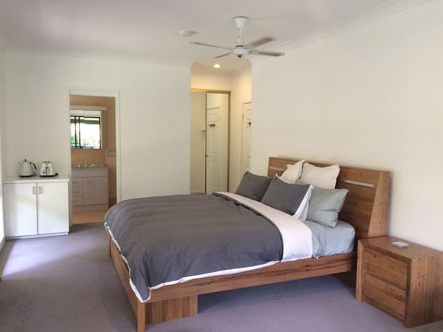Spacious freshly painted room, ensuite and private balcony.