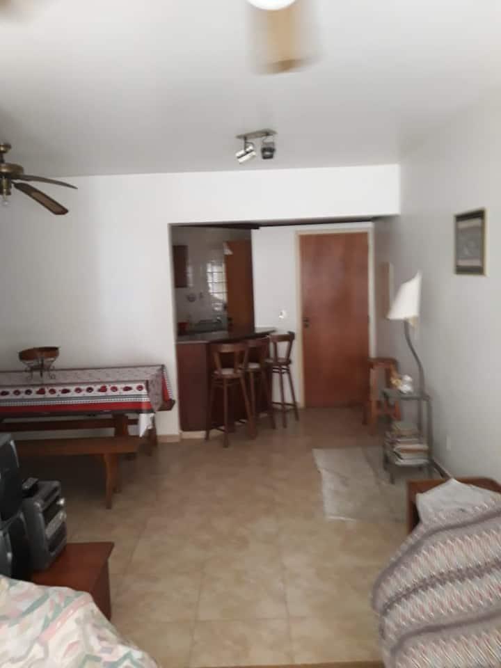 Apartamento 3 suites em Enseada - Guarujá.