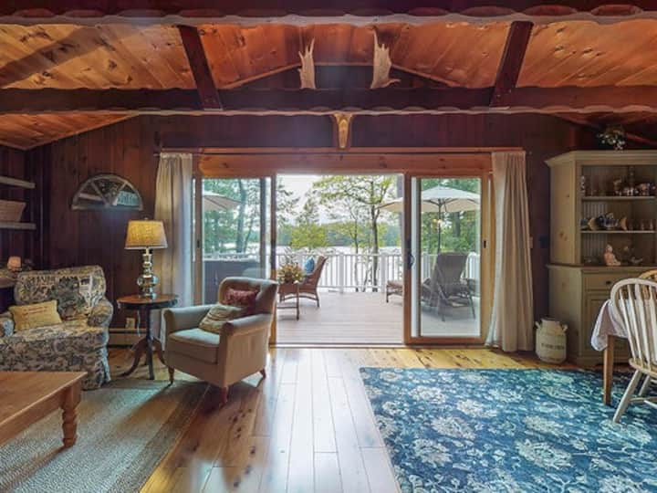 Staycation or Work-from-home!  Lakefront Escape